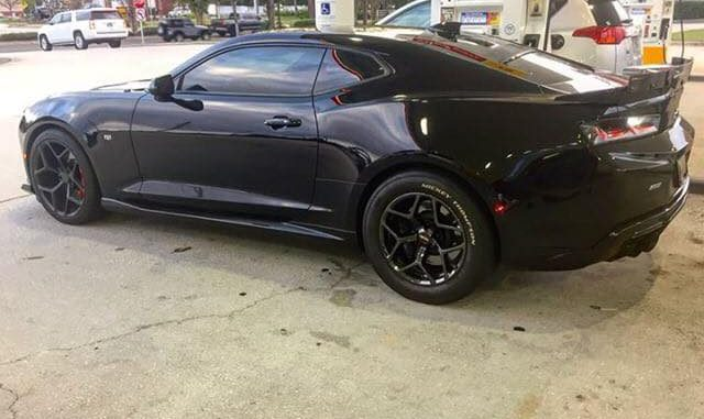 Today we have one SWEET Camaro, rolling on a set of Recluse Wheels, 17x10.5 out ...