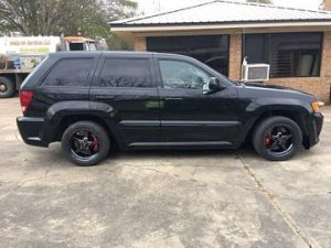This is one sweet SRT Jeep rocking Race Stars! #racestarwheels #kentshotrodgarag...