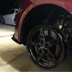 2018 Mustang fitment test by @rubytwosday_. 18x5 fronts and 17x10.5 rears. #race...
