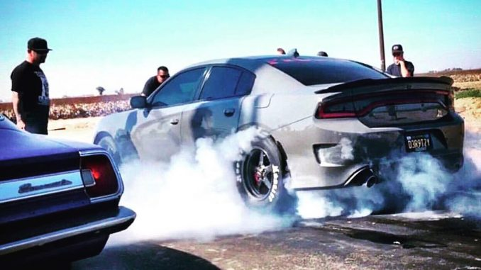 Light 'em up! #racestarwheels #dodgeofficial #charger #chargerhellcat #charger39...