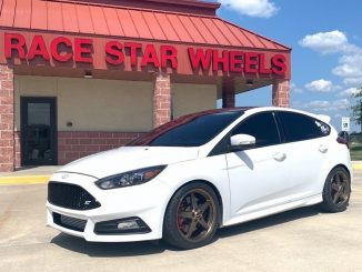This just looks soooo right!! 2018 Focus ST on Bronze 92 Drag Stars in 18x8.5. #...