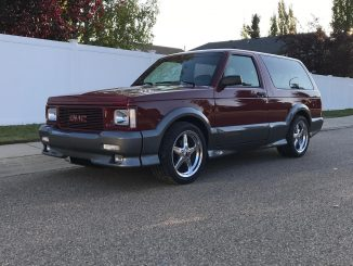 Now this is a clean #racestarequipped GMC Typhoon! Owner: Matthew Kuehn, Alberta...