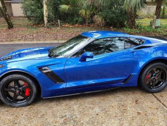 One of our customers sent us this great pic of their C7 Z06, with our 92 Drag ...